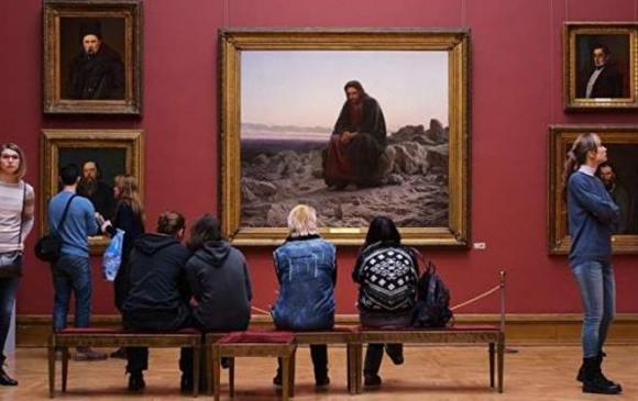 #MuseumSelfie аянд оросууд нэгдэв