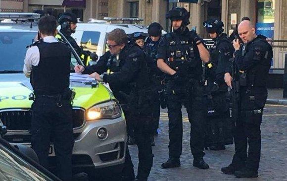 Цагдаа нар тэсрэх бөмбөгтэй этгээдийг баривчилжээ