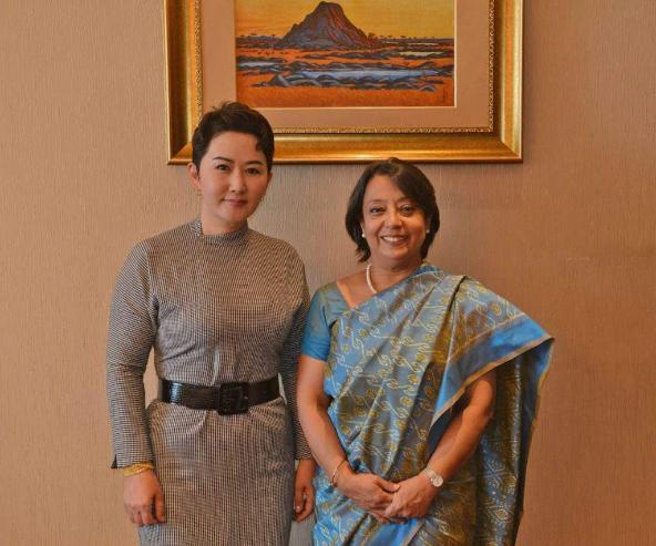 Энэтхэг Улсын Соёлын харилцааны Зөвлөлийн Ерөнхий захирал хатагтай Рива Гангули Дас Монгол Улсад айлчилж байна