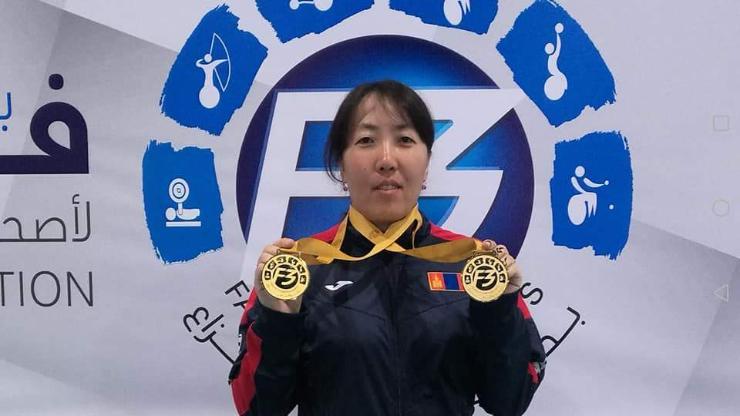 Б.Оюун-Эрдэнэ хос алтан медаль хүртэв