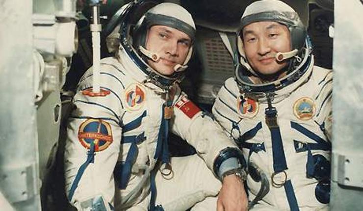 Монгол хүн сансарт нисэв (1981.03.22)