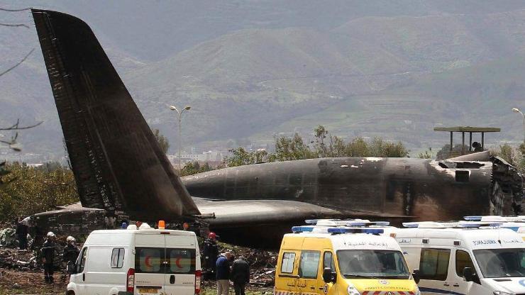 Алжирт онгоц осолдож, 257 хүн амиа алджээ