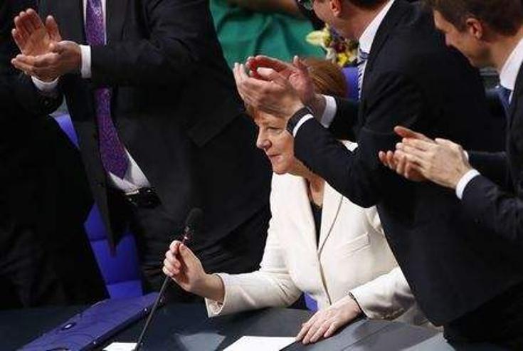 Ангела Меркелийг канцлераар сонголоо