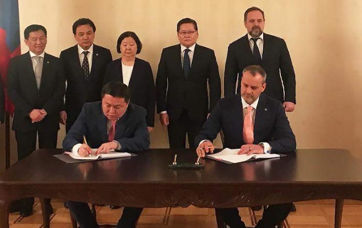 Олон улсын хөрөнгө оруулалтын банк Монгол Улсын Хөгжлийн банк хооронд эх үүсвэрийн гэрээг үзэглэв
