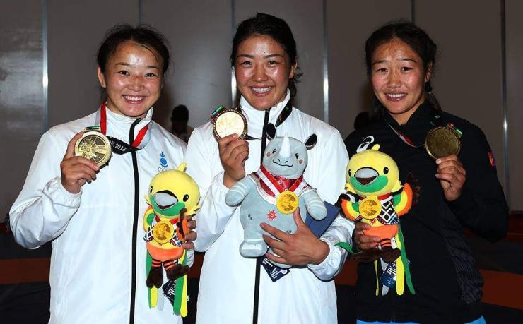 """Манай бөхчүүд Азийн """"олимп""""-оос хос алттай, нийт зургаан медальтай ирнэ"""