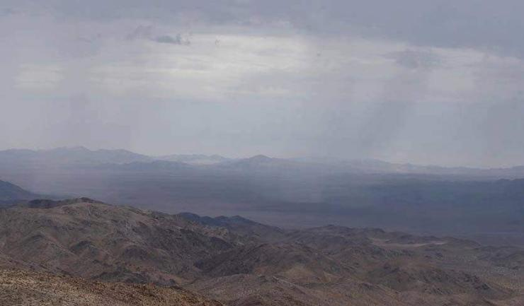 АНУ-ын Калифорни мужид халуун бороо оржээ