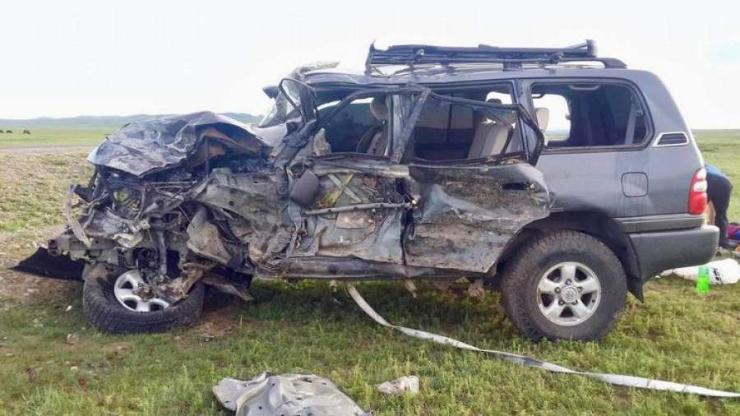 Авто машины ослын улмаас Хятад иргэн амиа алджээ