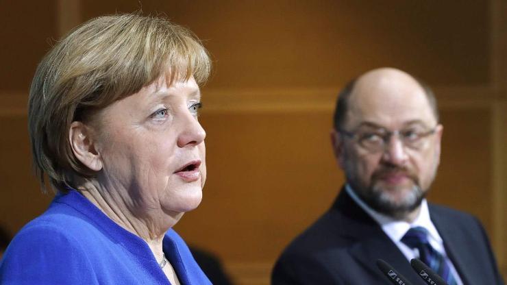 Ангела Меркел Засгийн газраа удирдана