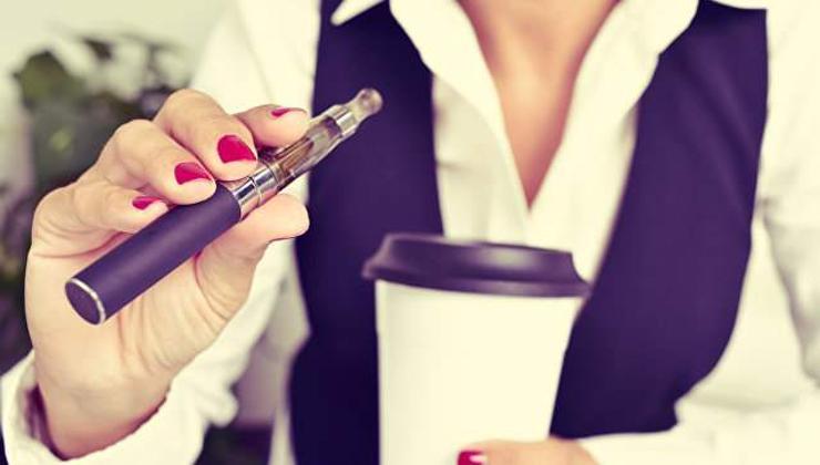 Электрон тамхи никотины хамааралтай болгохыг санууллаа