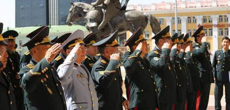 Монгол Улсад генерал цол бий болсны 74 жилийн ойн өдөр тохиож байна