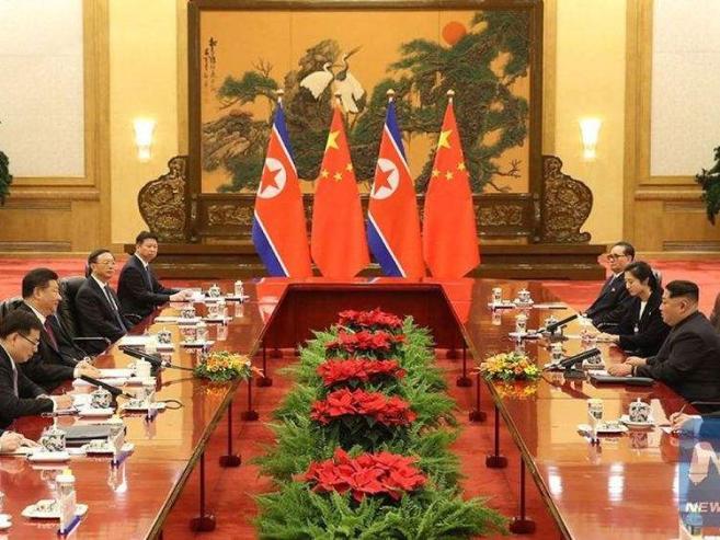 Ким Жон Ун Солонгосын хойгийг цөмийн зэвсэггүй бүс болгохоо амлав