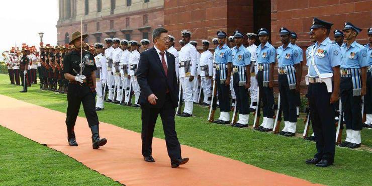 Батлан хамгаалахын сайд Энэтхэгт юу амжуулав?