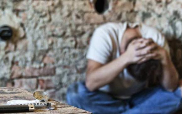 Нэг сэдэв, найман эх сурвалж: Хар тамхи, мансууруулах бодис