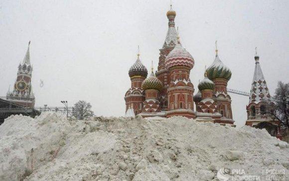 Сүүлийн 100 жил унаагүй их цас Москвад орлоо