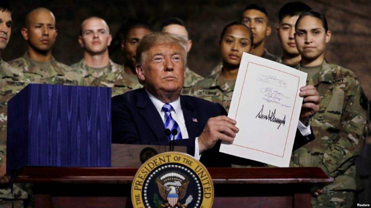 Трамп Батлан хамгаалахын төсөвт 716 тэрбум ам.доллар баталлаа