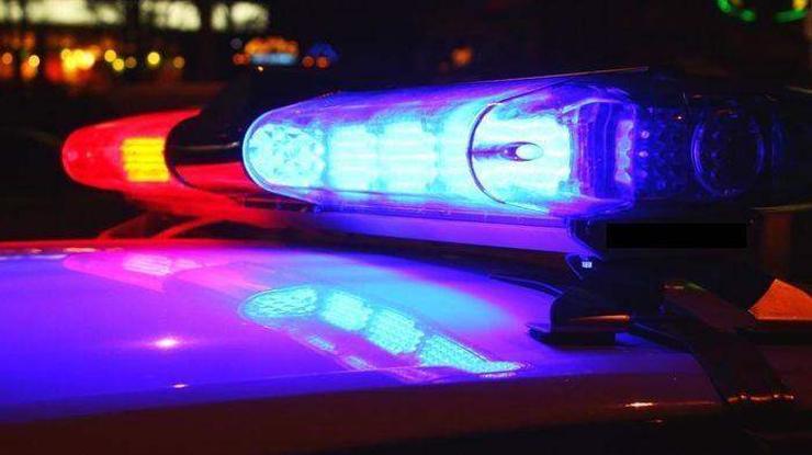 Хоёр настай хүү машины арааг сольж хөдөлгөн ахыгаа гэмтээжээ