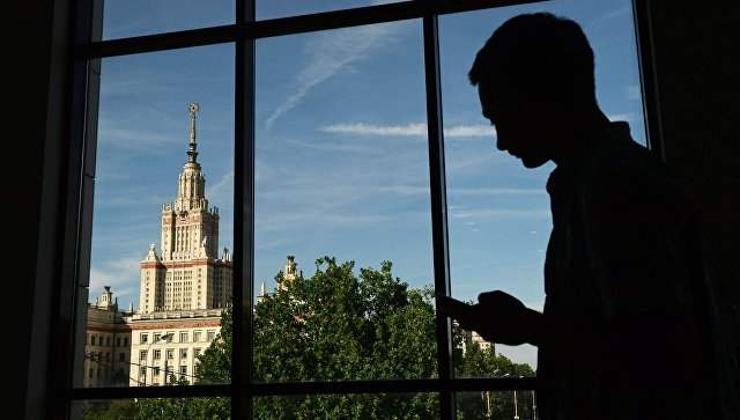 Дээд боловсрол төрийн мэдэлд байх ёстой гэж оросууд үзэж байна