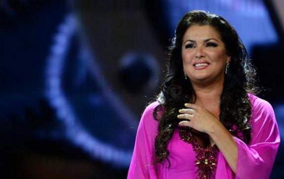 ДАШТ: Гала тоглолтод Анна Нетребко , Плачидо Доминго нар дуулна
