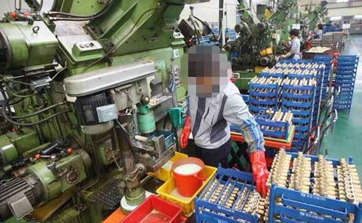 Өмнөдийн бизнес эрхлэгчид Хойд Солонгосын ажилчдыг ажиллуулах хүсэлтэй гэв