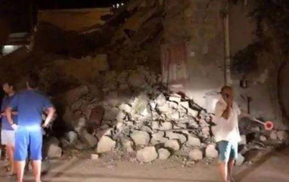 Италид газар хөдлөлтөд нэг хүн амь үрэгджээ
