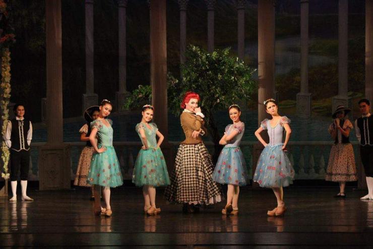 """""""Дэггүй Лиз"""" хошин жанрын балет гэдгээрээ алдартай"""