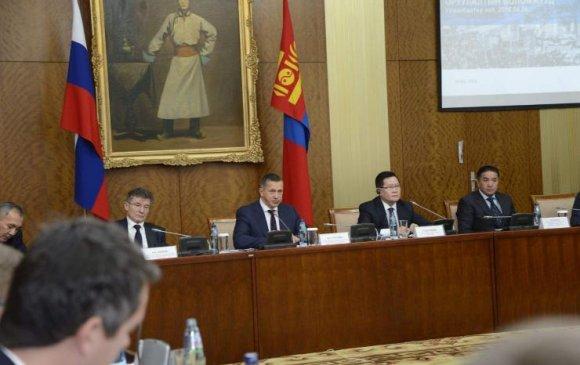 Шадар сайд Ө.Энхтүвшин Монгол, Оросын бизнес эрхлэгчидтэй уулзлаа