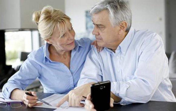 ОХУ: Тэтгэврийн нас нь болсон хүмүүсийн 50 хувь нь ажиллаж байна