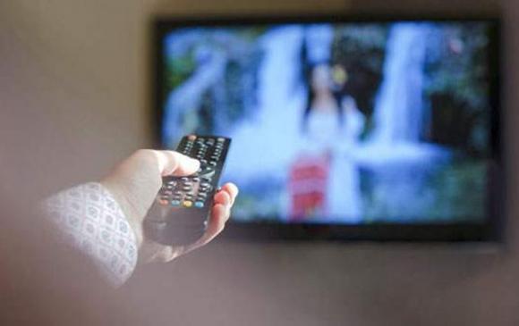 Оросууд телевиз үзэж, радио сонсох нь багасчээ