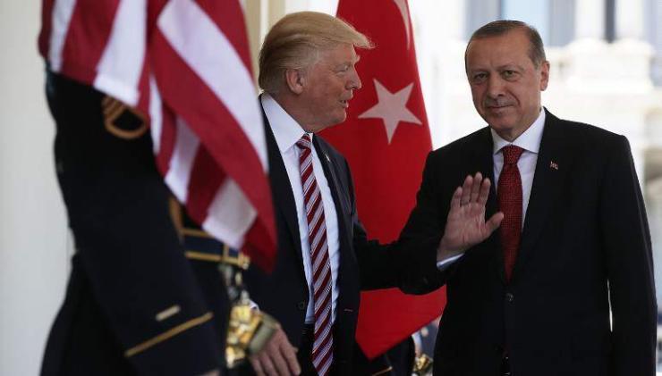 Туркийн иргэд АНУ-ын эсрэг арга хэмжээ авч эхэлжээ