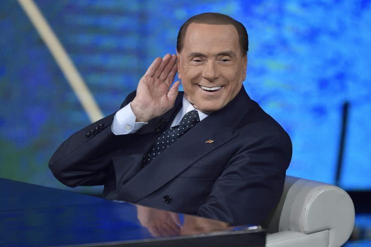 Италийн сонгогчид популистуудыг дэмжжээ