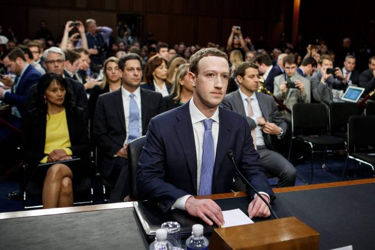 """Цукербергийг """"байцаасан"""" нь Facebook-ийн орлогыг нэмэгдүүлсэн үү?"""