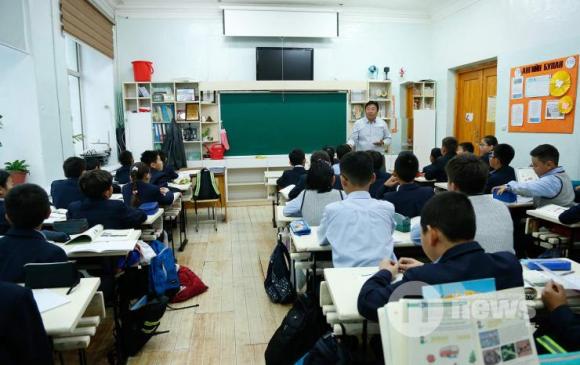 Улсын сургуульд 38,9 мянган багш ажиллаж байна