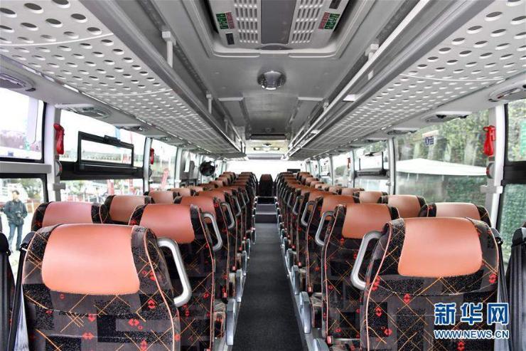 Хятадын автобус Францад явж эхэллээ