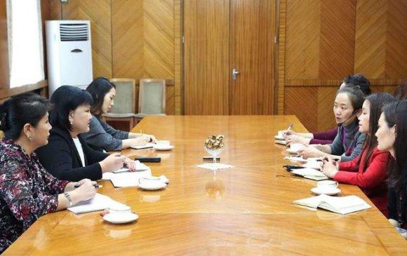 НҮБ-ын Хүн амын сангийн суурин төлөөлөгч Наоми Китахараг хүлээн авч уулзав