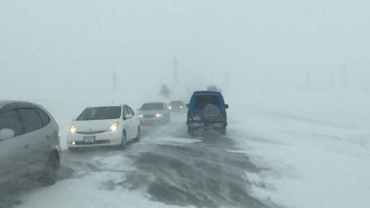 АНХААР: Ихэнх нутгаар цасан шуургатай