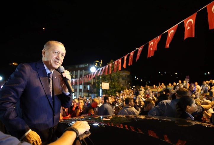 Эрдоган: Тэдэнд доллар бидэнд бурхан байна