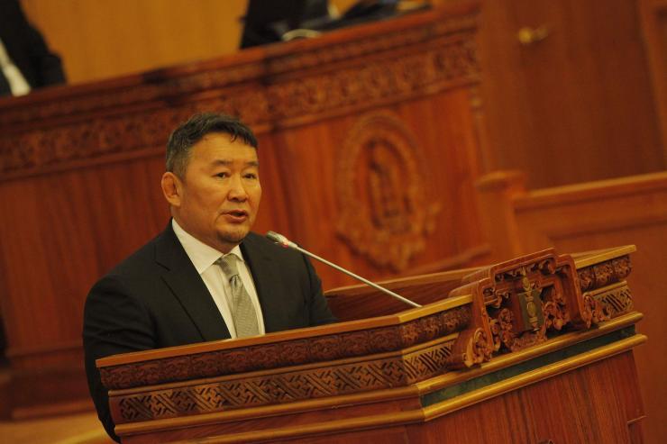 Ерөнхийлөгч Төрийн албаны зөвлөлийн даргад хариуцлага тооцох санал хүргүүллээ