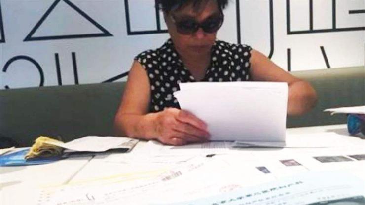 67 настай Хятад эмэгтэй ихэр хүүхэд тээж байна