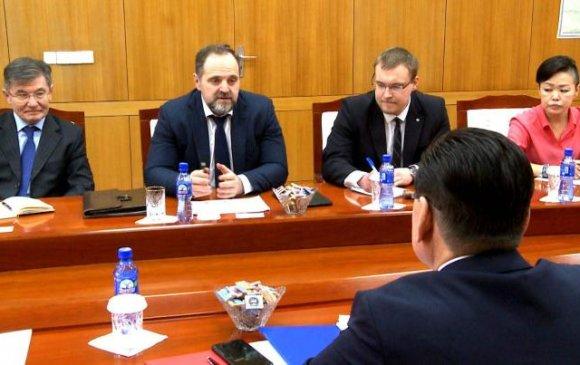 Шадар сайд Ө.Энхтүвшин Монгол, Оросын ЗГХК-ын Оросын хэсгийн дарга С.Е Донскойтой уулзлаа