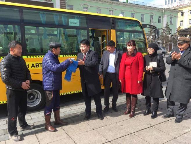 Сонгинохайрхан дүүргийн 74-р сургууль автобустай боллоо