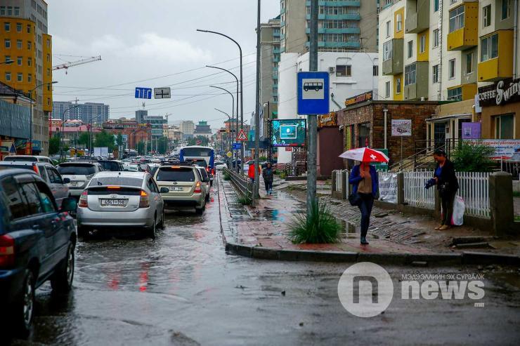 Улаанбаатар хотод бороо орно
