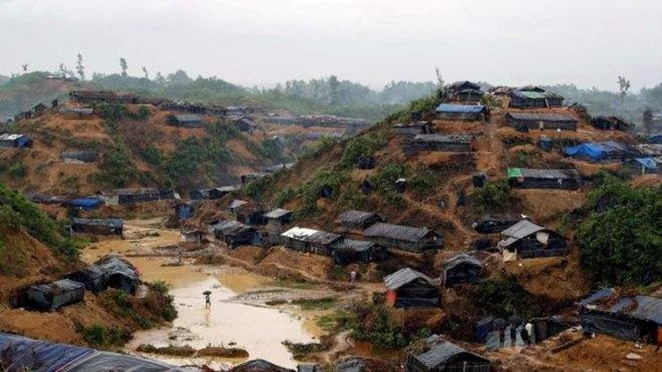 Исламын дүрвэгч гэр бүл Мьянмарт эргэж иржээ