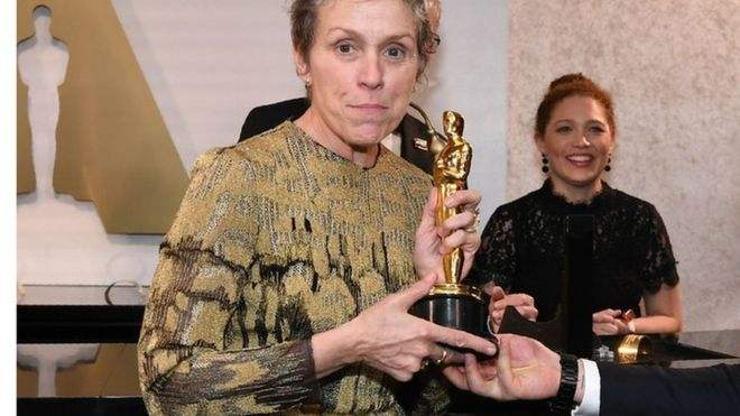 """""""Оскар""""-ын шагнал хулгайлсан этгээдийг баривчилжээ"""