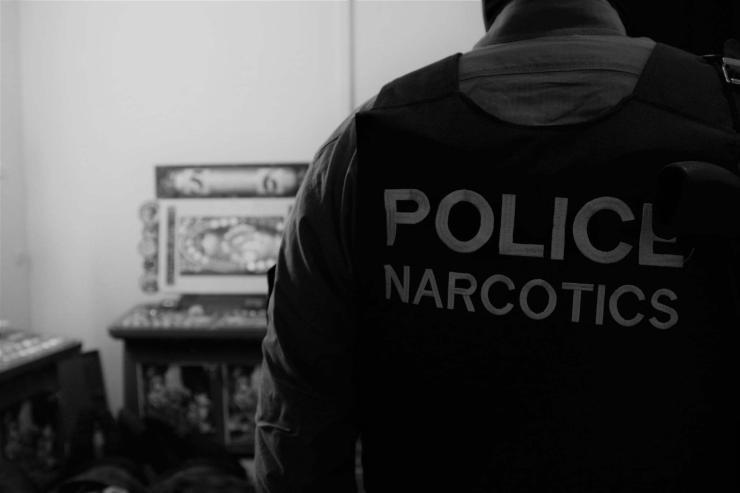 Гүйцэтгэх ажиллагаа явуулж хар тамхи зардаг бүлэг этгээдүүдийг баривчилжээ