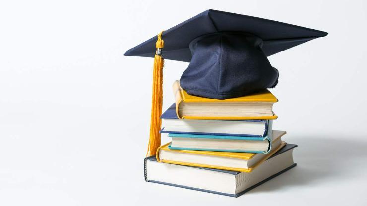 БНСУ-ын Засгийн газрын тэтгэлгээр гурван оюутан сургана