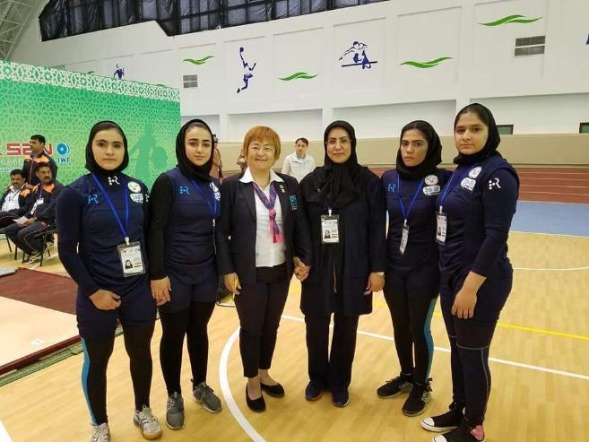 Ираны эмэгтэйчүүд хүндийг өргөлтөөр хичээллэж эхэлжээ