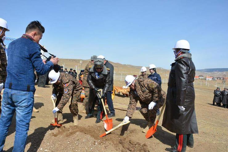 Хуурай замын цэргийн командлалын шинэ байрны шав тавилаа